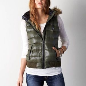 American Eagle Outfitters Jackets & Coats - NWT AEO Puffer Vest